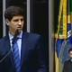 João Campos homenageia o pai na Câmara dos Deputados